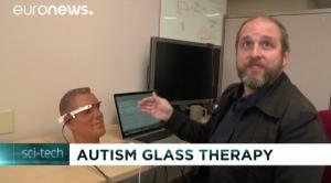 [VIDÉO] Autisme : des lunettes pour reconnaître les émotions (Euronews, juillet 2016)